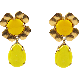 Zoe Coste Paris Daisy Flower Clip-on Earrings Yellow Glass & Ceramic Cabochon