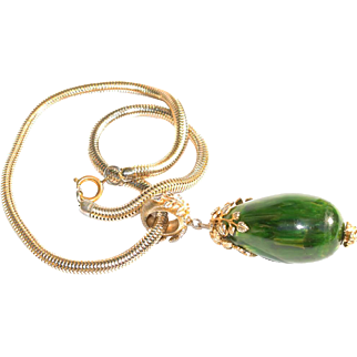 Vintage Bakelite Necklace huge green spinach carved pendant goldtone snake chain