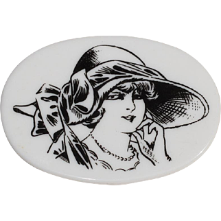 Lea Stein Serigraphy Plastic Pin Brooch Vintage black & white stylish woman