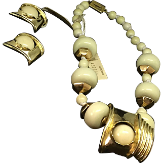 New old stock Ugo Correani necklace and earrings resin sculptural design TAG still on