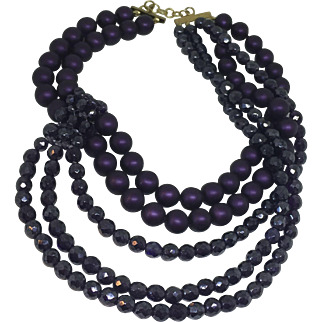 COPPOLA TOPPO Amazing faux pearls and crystal purple necklace