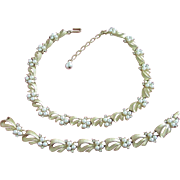 Vintage Trifari Pearls and Gold Tone Ribbons Necklace and Bracelet Set