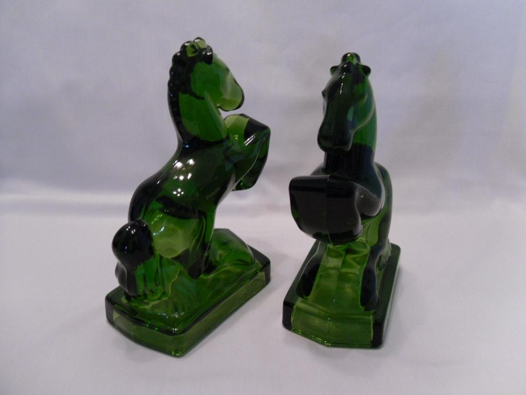 20% OFF! Gorgeous Emerald Green L.E. Smith Rearing Horse Glass ...
