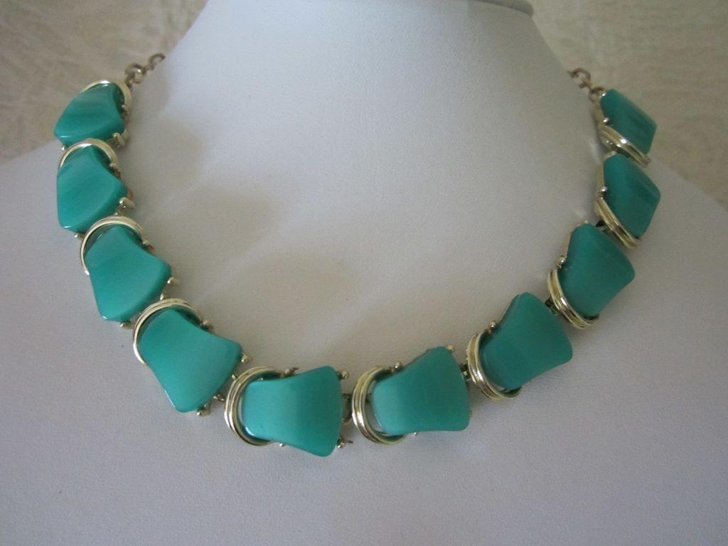 Vintage Seafoam Green Lucite Choker Necklace ~ REDUCED!!