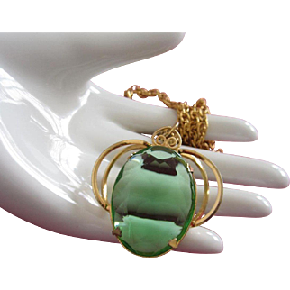 Faceted Green Glass and Gold Tone Necklace