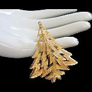 Vintage Trifari Gold Tone Christmas Tree Pin Brooch