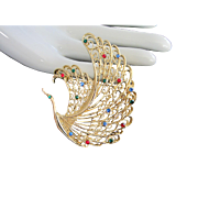 Ornate Vintage Rhinestone Swan Pin Brooch in Gold Tone