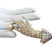Vintage AB Rhinestone Hand Pin Brooch Holding Faux Pearl