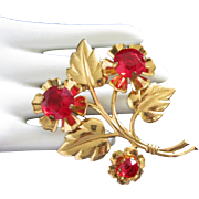 Large Gold Tone 1940s Red Rhinestone Flower Pin Brooch