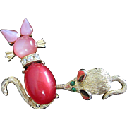 Whimsical Jelly Belly Moonglow Lucite Cat and Mouse Trembler Pin ~ REDUCED!