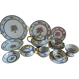 Unique C. Ahrenfeldt Limoges France, Set of 93 pieces, Decorated Expressly for Mrs. W. G. Gooding, 1894 until 1930
