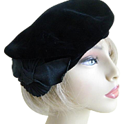 Vintage Women's Black Velvet Beret with Red Lining