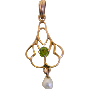 Art Nouveau 10k Yellow Gold Lavalier Pendant with a  Peridot  and Seed pearl