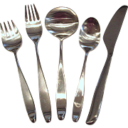 5 Piece Place Setting of Lauffer Stainless Steel Flatware