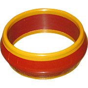 Vintage Laminated Bakelite Bangle in Dark Red and Caramel