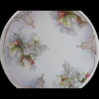 Vintage Unbranded Plate w White Grape Pattern w Gilt