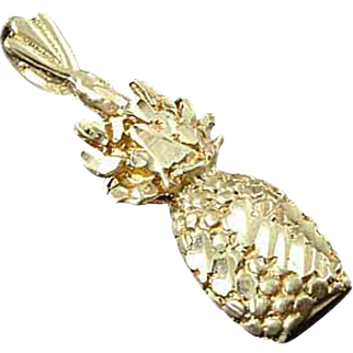 Solid 14K Yellow Gold Diamond Cut Pineapple Pendant Charm Estate Find