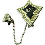 Vintage Alpha Sigma Tau Delta 10k Gold Pearl Fraternity Sorority Pin