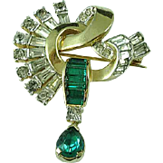 Charming Vintage Deco Mazer Gold & Emerald Green Rhinestone Brooch Pin