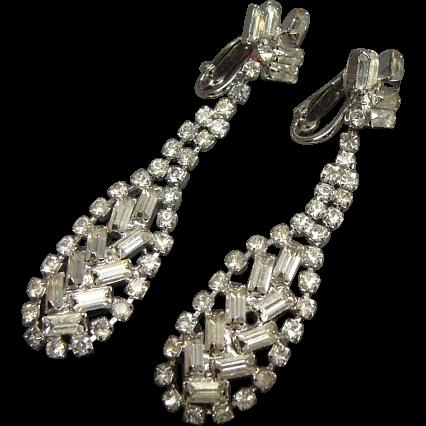 Wonderful Pair Of Vintage Long Dangle Rhinestone Earrings