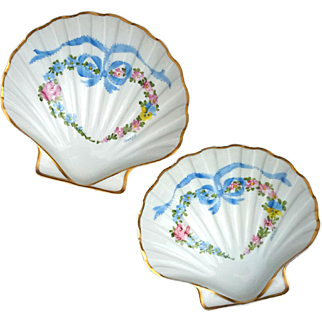 Pair Of Vintage French Limoges Porcelain Scallop Shells