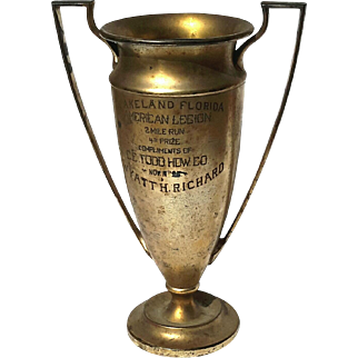 Early Vintage Meriden B Co Silver Plated Loving Cup Trophy, Circa 1925