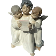 Lladro Figurine Of Three Angels Singing