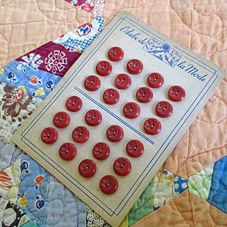 Art Deco Cherry Red La Mode Buttons on Card