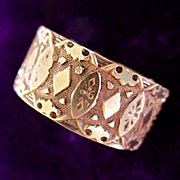 12K Victorian Diamond Pattern Cigar Band Wedding Ring