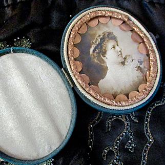Victorian Silk Gilt Frame Case Woman Photograph