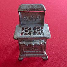 Small Cast Iron 2 Burner 1920's Royal Stove Dollhouse