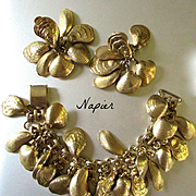 Very Rare Fabulous Napier Demi Parure Clam Shells Bracelet Earrings