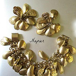 Very Rare Fabulous Napier Demi Parure Clam Shells Bracelet Earrings