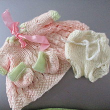 Knit Outfit For Small Doll