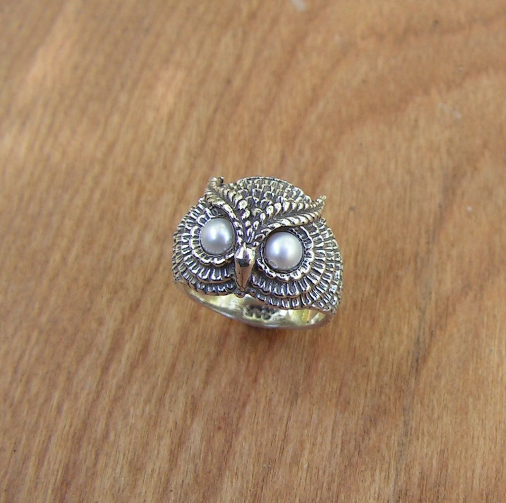 sterling silver owl ring with freshwater cultured pearl