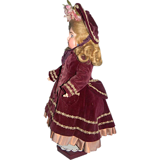 "French Style Costume for 21-22"" Bebe"