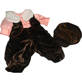 Sweet 4-piece Velvet Boy's Outfit