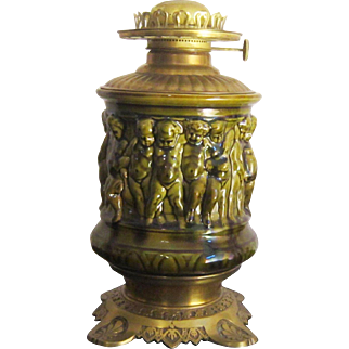 A 19th Century Majolica Oil Lamp Made by Sarreguemines (1865-1890)