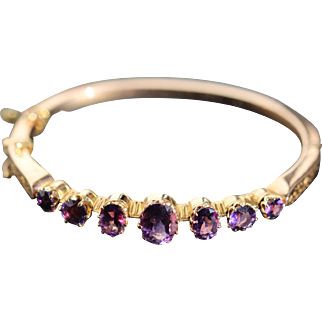 Antique amethyst 18kt bangle