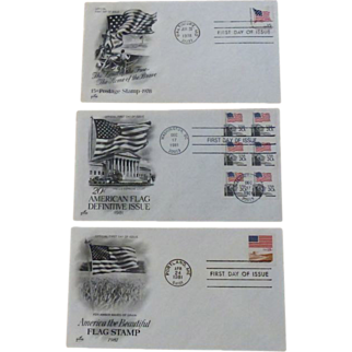 Post Office ~ First Day Issues ~ 3 Flag Depictions