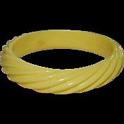 Creamy White Molded Celluloid Bangle Bracelet