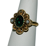 Vintage Avon Victorian Revival Ring ~ Faux Emerald Seed Pearls sz 6-7