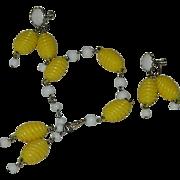 Summer Time Kramer! Daisy Yellow Plastic & GLass Beaded Bracelet and Earring Set