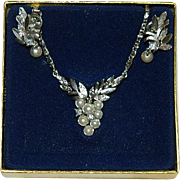 "Avon ""Glorianna"" Necklace & Earring Set in Original Box"
