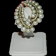 Gorgeous Graduated Imitation Pearls Lobe Crawler Earrings