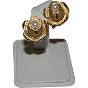 Crown Trifar Pearl Roses Earrings