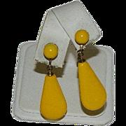 Mid Century Cream Corn Bakelite Dangler Earrings
