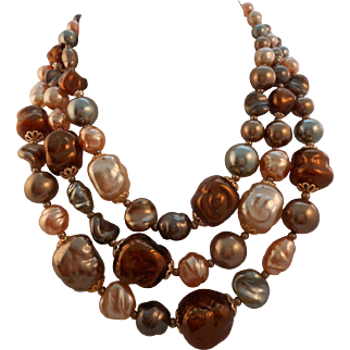 Vintage 1960's Faux Mobe Pearl 3 Strand Necklace