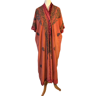 1920's silk robe. Beautifully embroidered Turkish with devoree trim . Stunning,