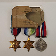 WW2 Medal Trio Unnamed With Original Box